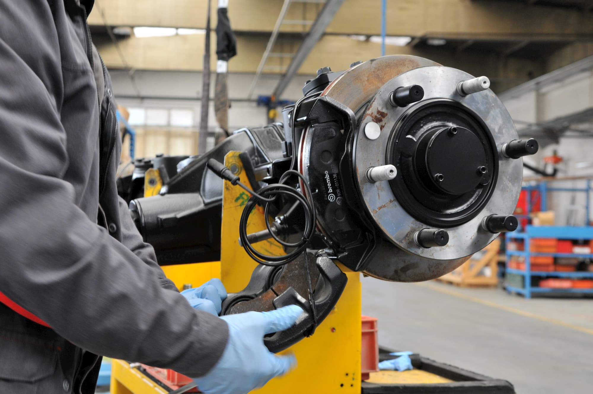 entretien mécanique véhicule industriel et militaire en Auvergne : moteur, pont, freinage, châssis, carrosserie - JOGAM SET
