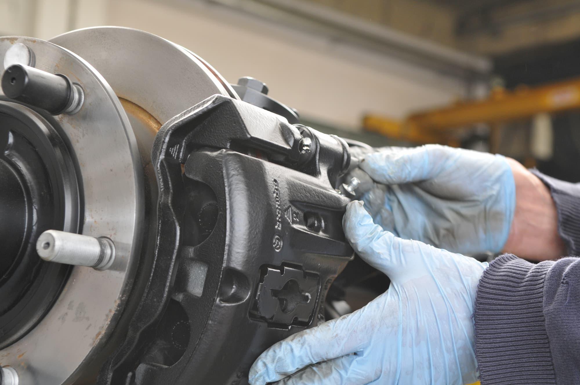 Entretien maintenance véhicule industriel et militaire Auvergne - JOGAM SET