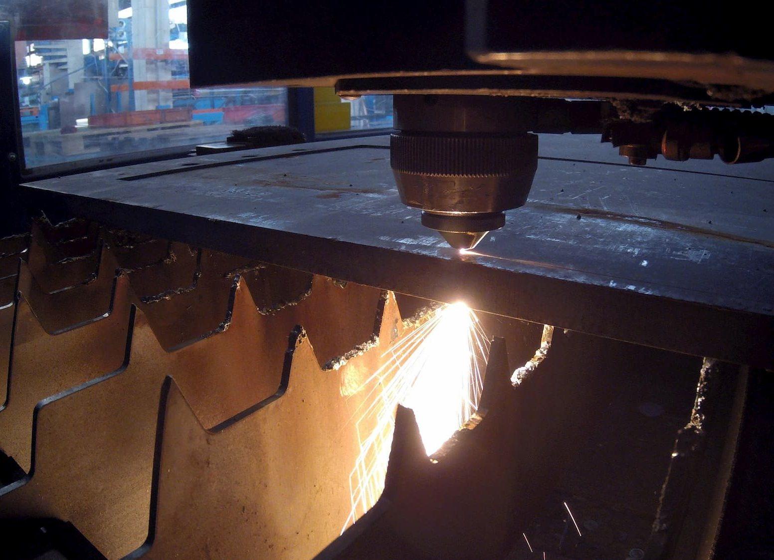 Découpe laser fibre tôle grande dimension et forte épaisseur - JOGAM SET